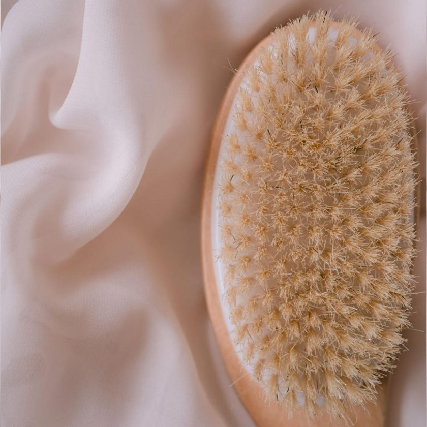 dry body brushing the cultface